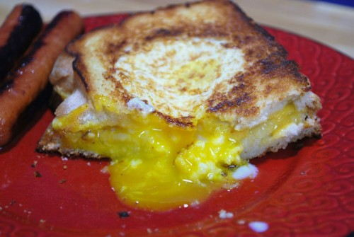 As you can see from the pics I like my eggs over easy. The eggs are perfectly cooked and bread is perfectly toasted.