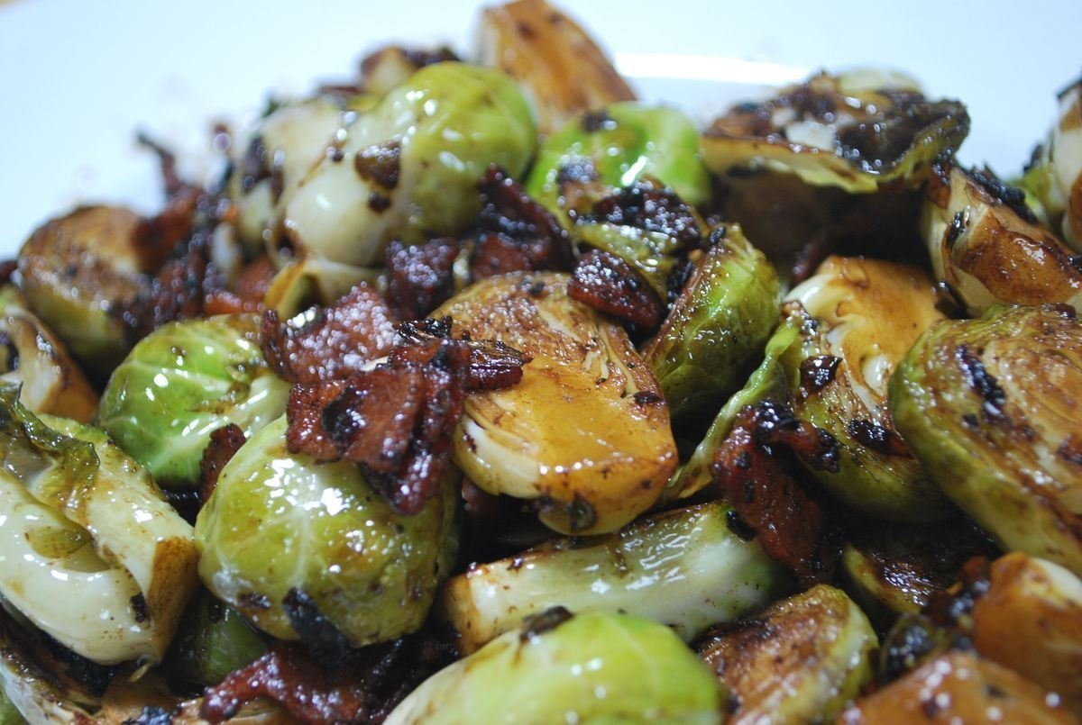 Brussel Sprouts with Bacon - SavoryReviews