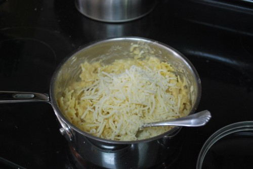 I used mozzarella as that was all I had, I really like to make this with sharp cheddar.