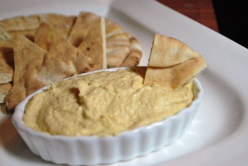 Hummus with pitas