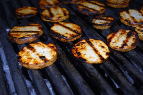 Grill over medium/high heat and then finish cooking on the warmig grate or over low heat.