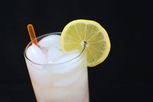 Limonata - garnish with a lemon