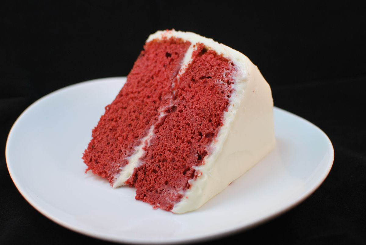 Red Velvet Cake - SavoryReviews