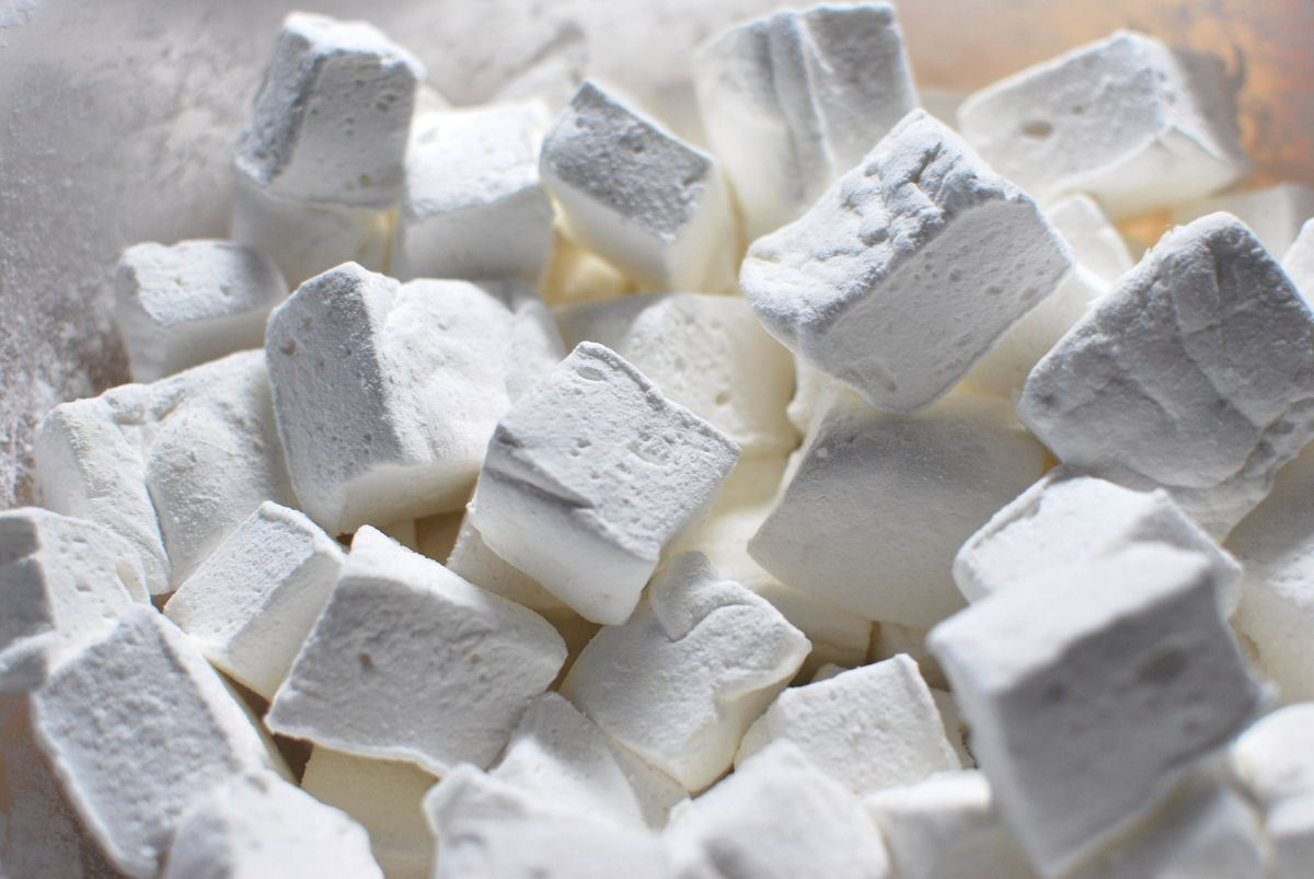 Homemade Marshmallows - SavoryReviews