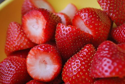 Clean the strawberries