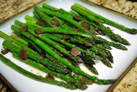 Asparagus with truffles