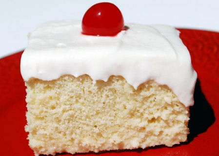Look at the creamy goodness that is tres leches cake