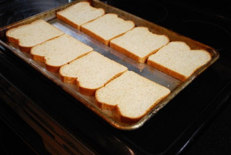 Line up the bread slices