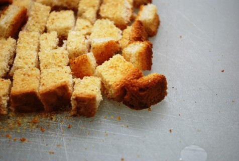 Create bread crumb cubes