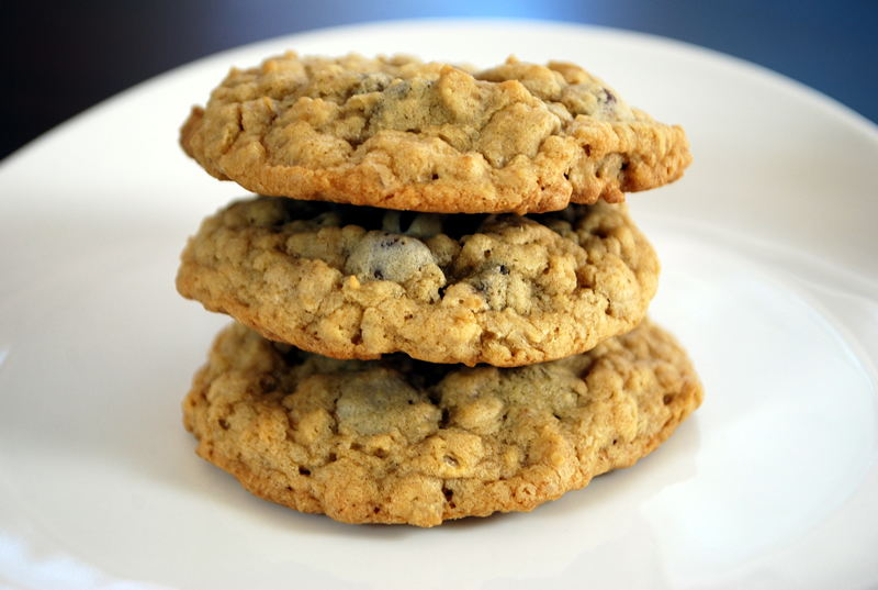 The Ultimate Oatmeal Chocolate Chip Cookies | SavoryReviews by Rex ...