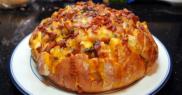 Cheddar Bacon Ranch Pull Bread