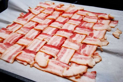 Form a bacon weave