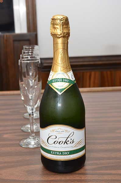 Cook's Champagne